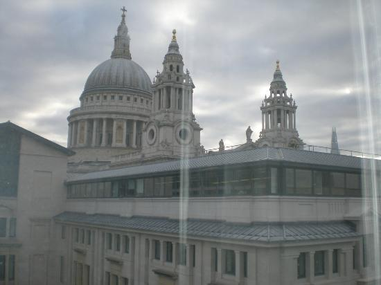 Club Quarters, St. Paul's: St Pauls Cathedral