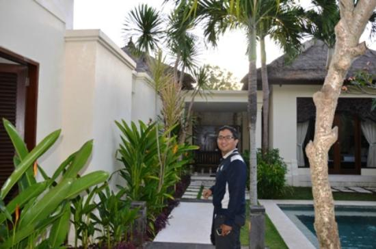 Pat-Mase, Villas at Jimbaran: beside the pool