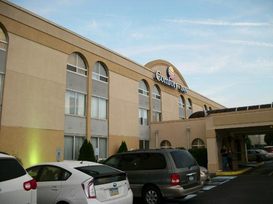 Book the Comfort Inn Edison - Situated in Edison, this hotel is mi ( km) from Middlesex County College and mi ( km) from New Jersey Convention and Exposition Center. Raritan Center Business Park and Light Dispelling Darkness are also within 6 mi (10 km)/5().