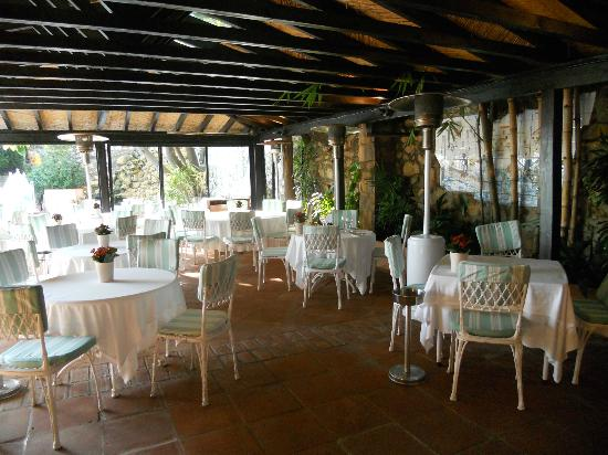 Marbella Club Hotel: Dining area at the Beach Club