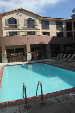 Courtyard by Marriott Thousand Oaks: View from Cabana