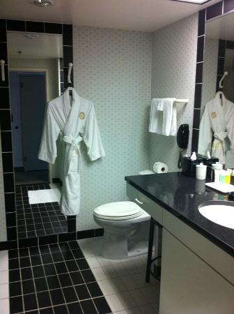 The Sutton Place Hotel: More bathroom amenities