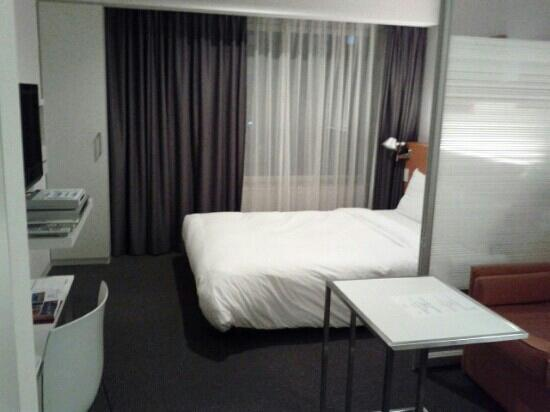 Citadines Shinjuku Tokyo: partition between the bed and couch was a good idea