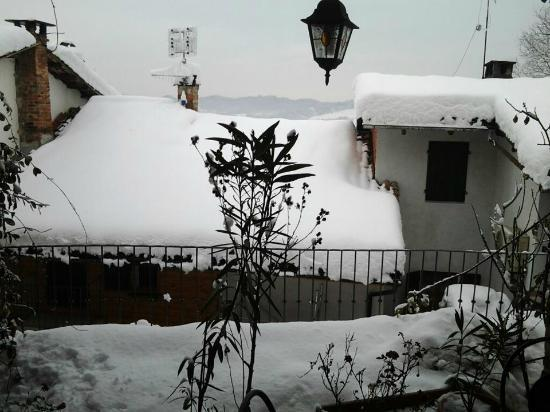 Brusasco, talya: inverno al borgo