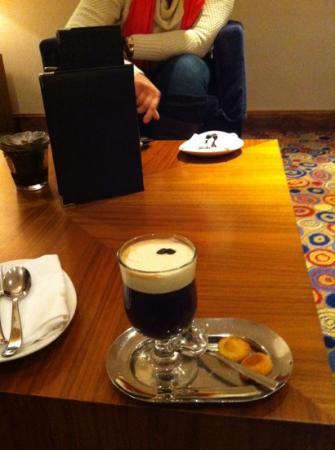 Conrad Dublin: Irish coffee in the hotel lobby