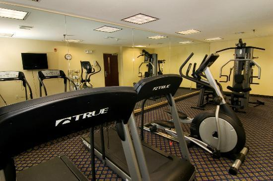 BEST WESTERN PLUS Waynesboro Inn & Suites Conference Center: Fitness Center at Hotel