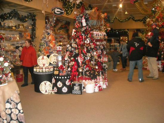 Legacy Lodge & Conference Center: Christmas Village Shop