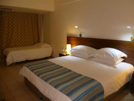 Nissi Beach Resort: Great sized rooms. Big but still cozy