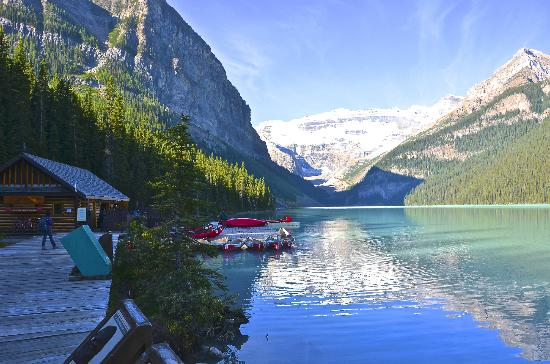 Lake louise picture of mountaineer lodge lake louise for Lake louise cabin rentals