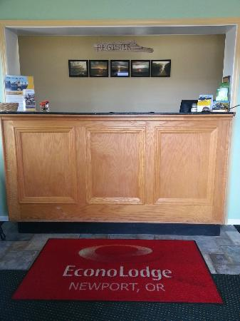 Econo Lodge Newport: Lobby