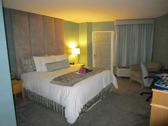 The Belamar Hotel: our room.
