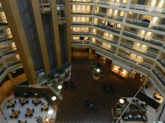 Embassy Suites Hotel Denver Tech Center: Atrium