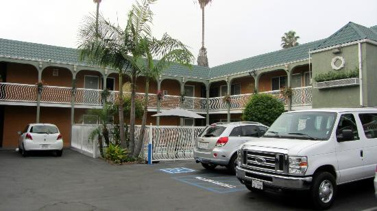 Rodeway Inn Hollywood: Vista de acceso a las habitaciones