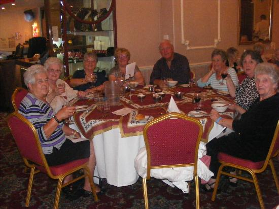 Sefton Hotel: Part of group in the dining room