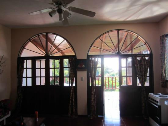 Villas El Parque: doors to balcony