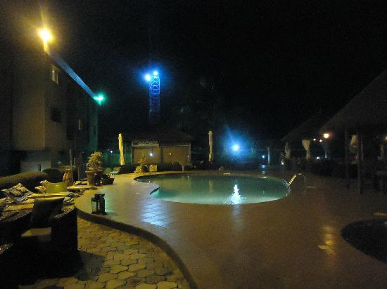 Hotel Bon Voyage: Pool @ Night