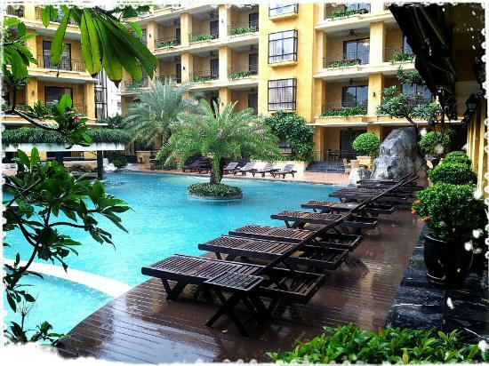 Mantra Pura Resort & Spa: Nice Pool.