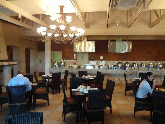 Caledon Hotel, Spa, Casino: BREAKFAST AREA