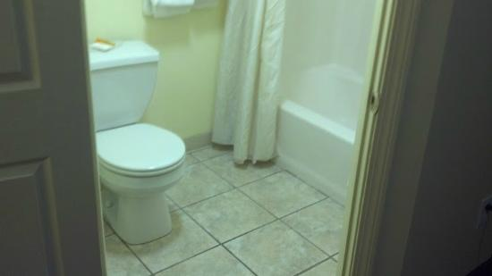 Flagship Inn And Suites: cleanest part of the place