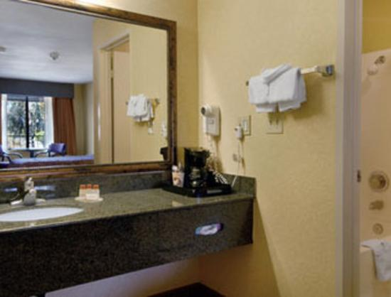 Days Inn San Bernardino/Redlands: Bathroom