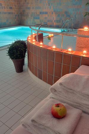 Thon Hotel Alesund: Swimming Pool
