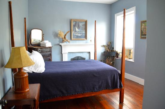 Stonehouse Bed and Breakfast: The Blue Room