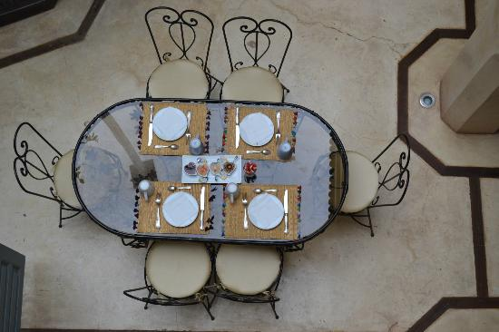 Riad Misria: Breakfast is served