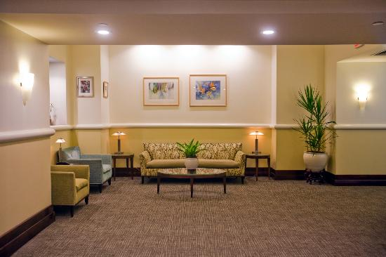 The Inn at Longwood Medical: Lobby