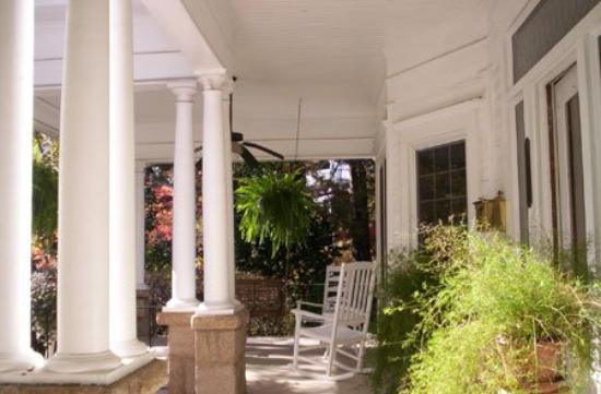 Southern Elegance Bed and Breakfast: Other Hotel Services/Amenities