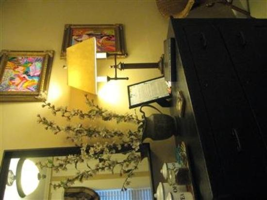 Heart of the Hills Inn & Cottage: Other Hotel Services/Amenities