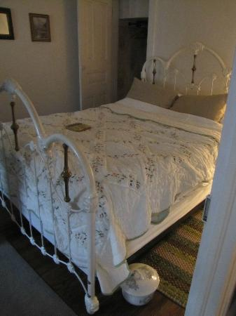 Maid&#39;s Quarters Bed, Breakfast &amp; Tearoom: Bed and Chamber Pot (we imperfectly remade our bed for the photo)