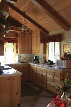 The Creekside Bed & Breakfast: Kitchen in the Creekside Room