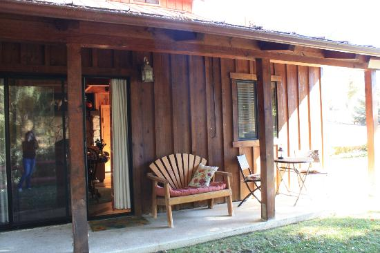 The Creekside Bed & Breakfast: Outside seating area...