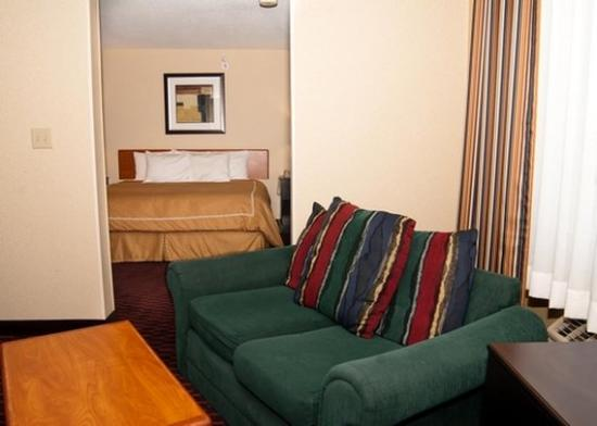 Comfort Inn: Two Rm Suite IN