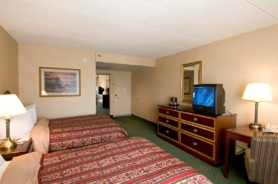 University Plaza Hotel and Conference Center: Guest Room