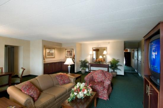 University Plaza Hotel and Conference Center: Suite