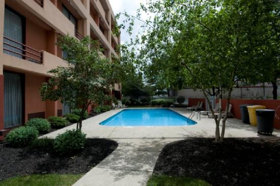University Plaza Hotel and Conference Center: Pool View