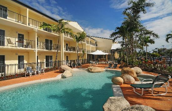 Cairns Queenslander Hotel and Apartments: Cairns Queenslander Hotel &amp; Apartments