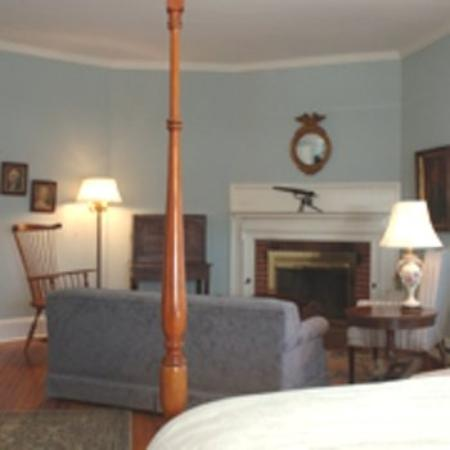 Manor Inn: Room