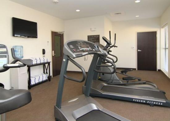 Sleep Inn &amp; Suites Dripping Springs: TXEFitness Room