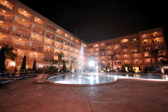 Grand Pyramids Hotel