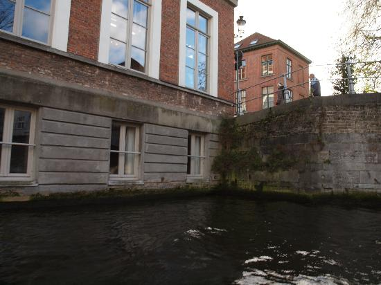 Canalview Hotel Ter Reien: Our room far right bottom level