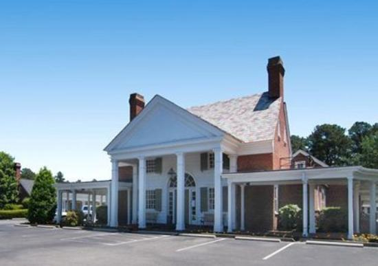 Photo of Rodeway Inn Historic Williamsburg