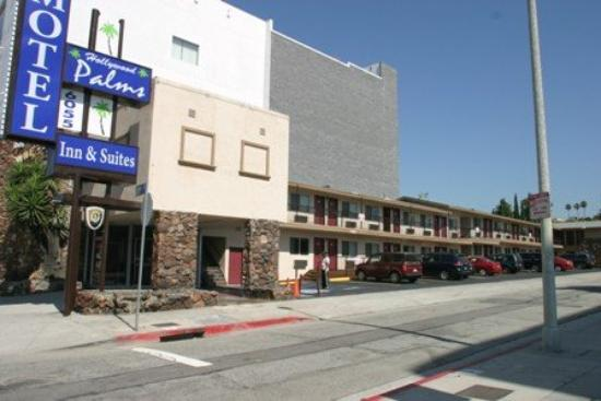 Hollywood Palms Inn & Suites