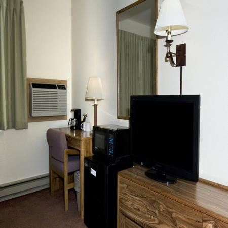 Western Heritage Inn: Tv Fridg Micro