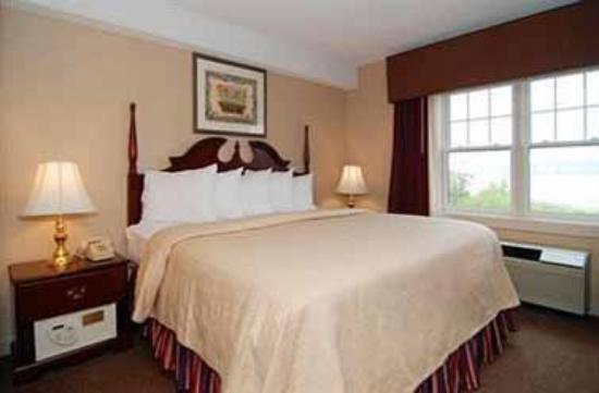 Atlantic Beach Hotel: King Suite