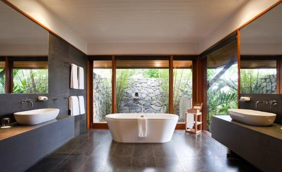 Qualia Resort: Qualia Windward Bath Sept RGBFinal