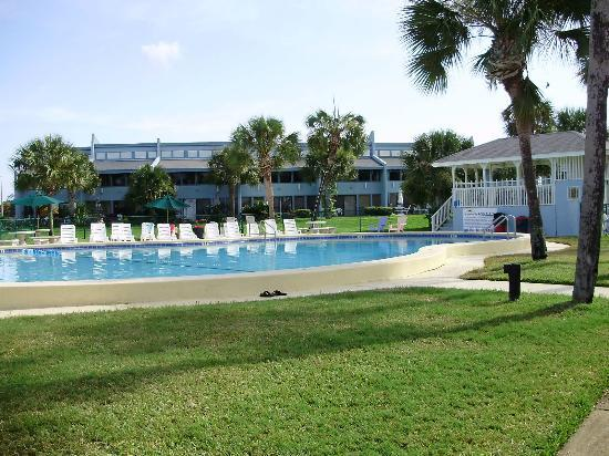 Sunnyside Beach and Tennis Resort