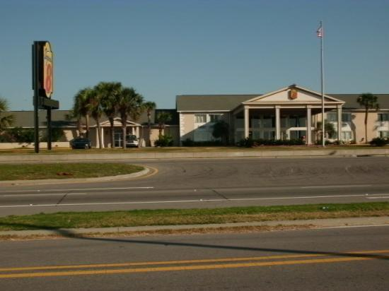 Super 8 Motel - Biloxi: vue depuis la plage