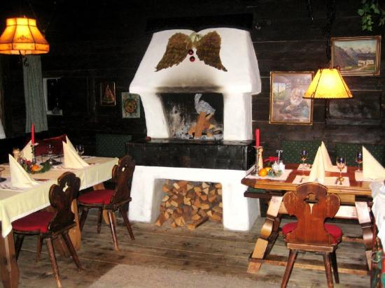 Chalet Hotel Senger: Restaurant Kamin